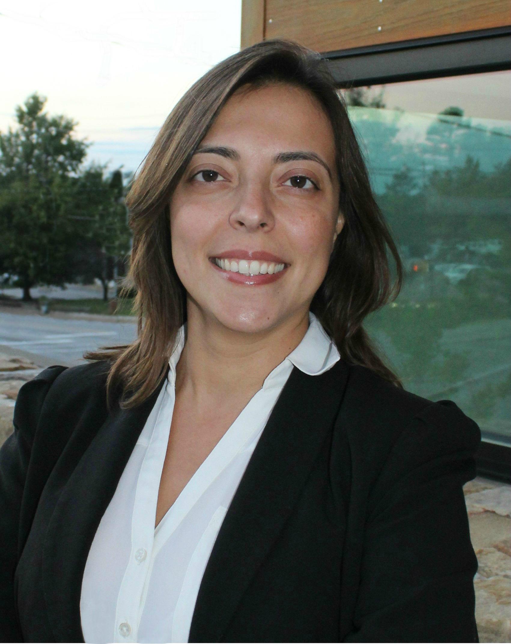 Dr. Cristiane Damasceno