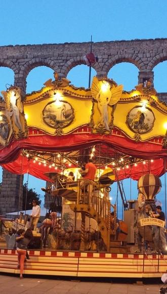 carousel img