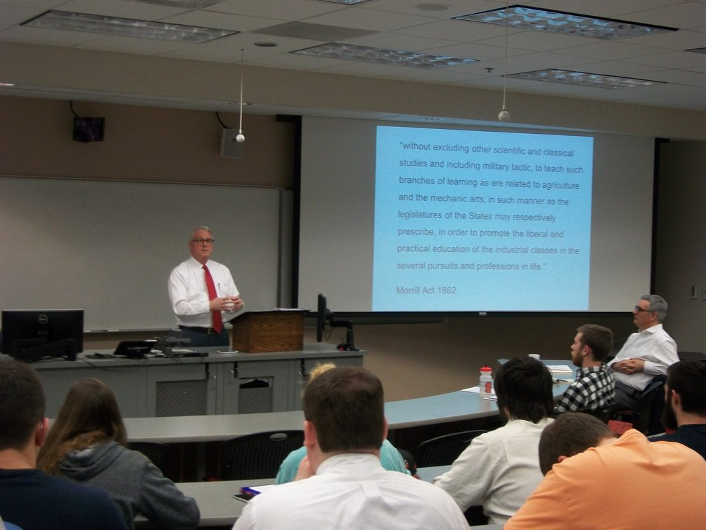 Chancellor Woodson lectures on the history of the U.S. land grant university